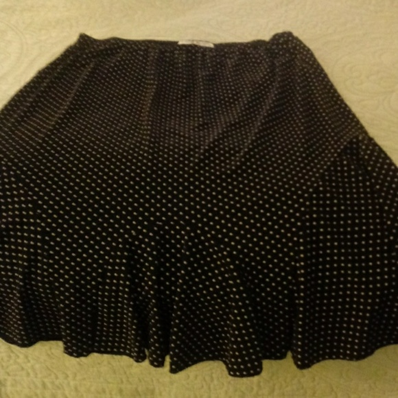Claudia Richard Dresses & Skirts - Pleated polka dot skirt